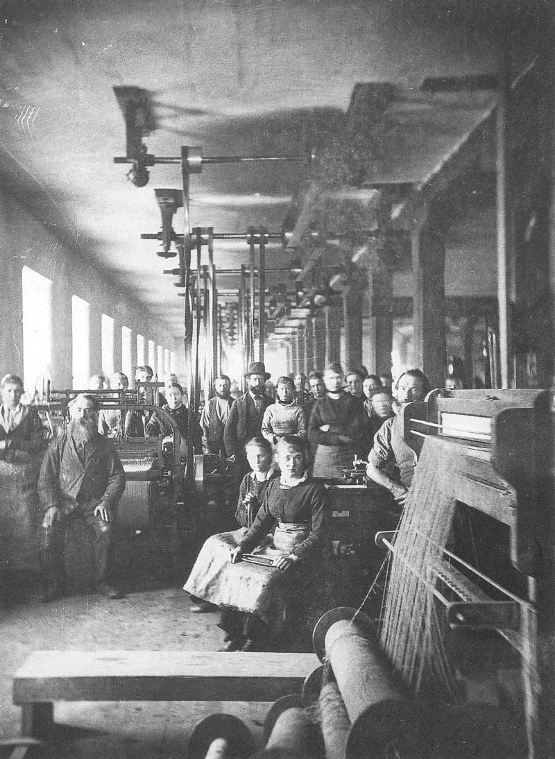 [p.146] 151. Workers in the Utah Woolen Mills allow Carter to photograph them sometime in the mid-1870s.