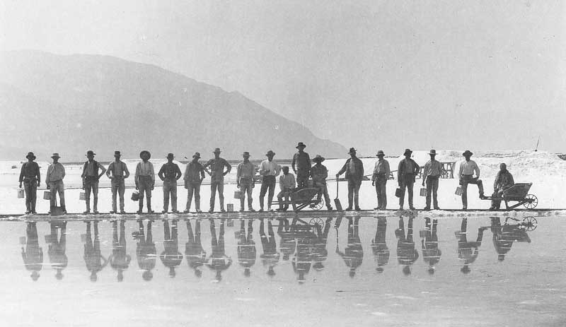 [p.147] 152. On the Great Salt Lake salt harvesters line up for their portrait around 1874.