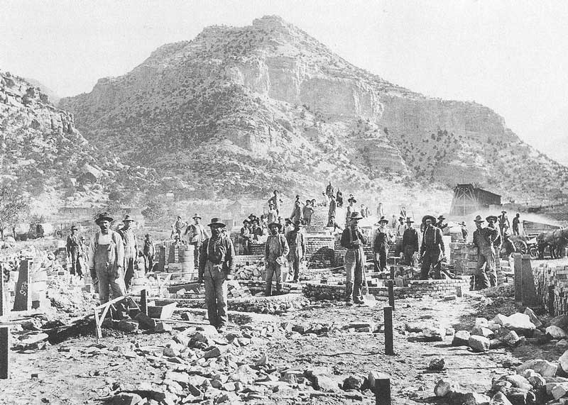 235. Stone masons build coke ovens at Sunnyside, Utah, around 1902.