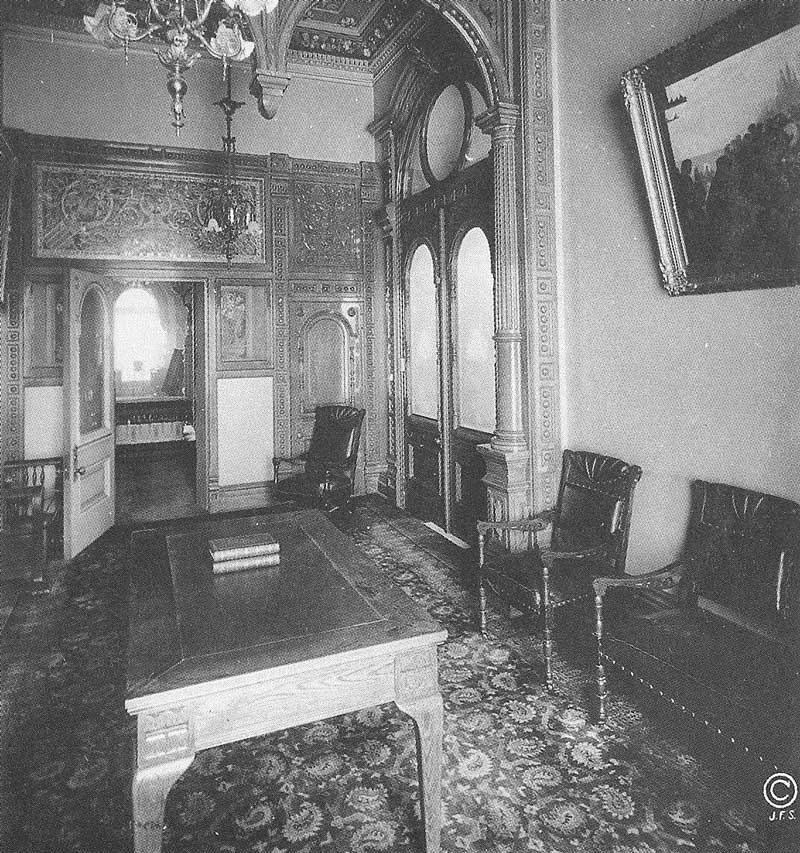 362. A reception room adjoins the sealing room for the living. Photograph by Ralph Savage for The House of the Lord.