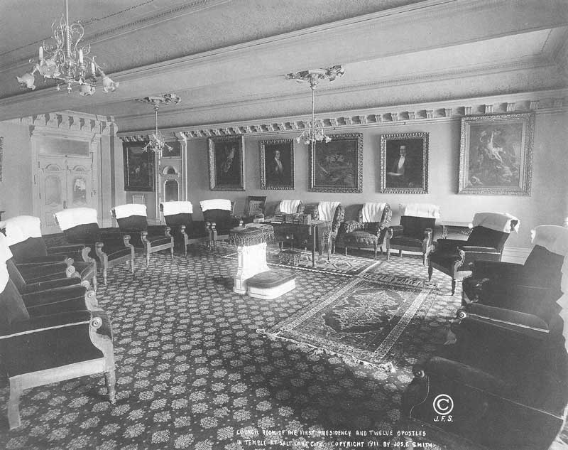 [p.373] 365. The Council Room of the First Presidency and the Twelve Apostles features stuffed chairs arranged in a circle, where the general authorities of the church meet on a regular basis. Photograph by Ralph Savage for The House of the Lord.